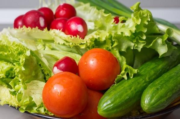 Czy można łączyć pomidora zogórkiem?