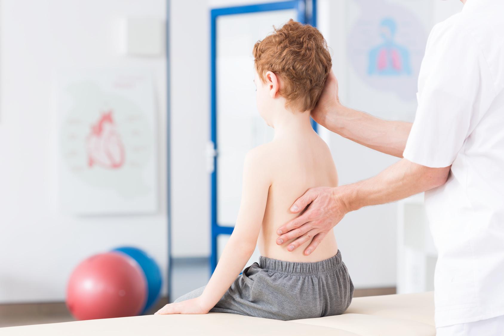 Rehabilitacja | Wady postawy – skolioza